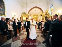 Zdjęcia w kościele podczas ceremonii ślubnej w Piasecznie
