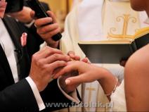 Ceremonia zaślubin w kościele w miejscowości Jazgarzew